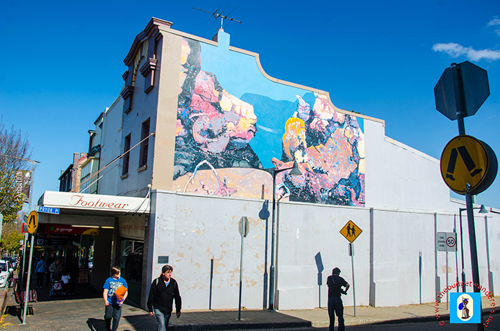 Street art in a building in Katoomba depicting the famed Three Sisters.