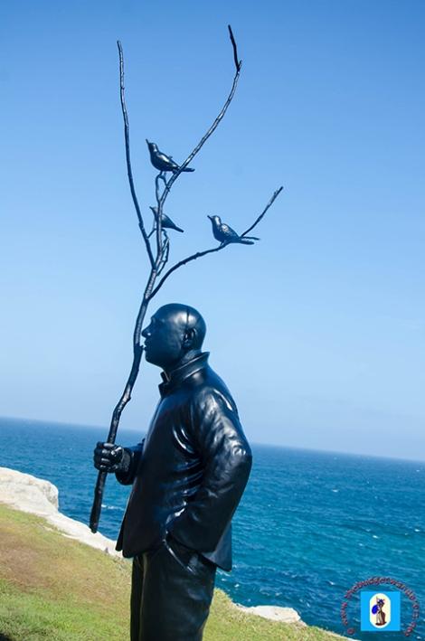 Sculptures Dot Bondi and TamaramaBeach